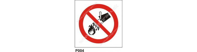 Nehaste vodou ani penovými prístrojmi - bezpečnostná značka
