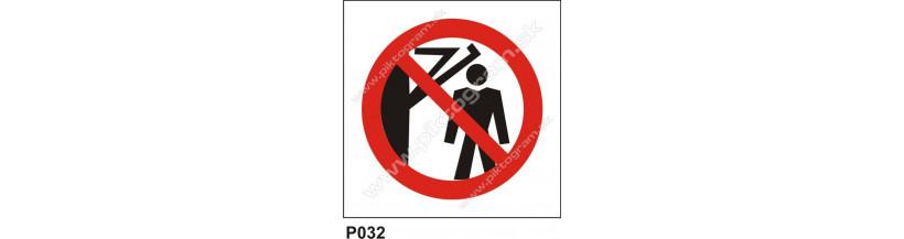 Zákaz vstupu za pohyblivé rameno - značky